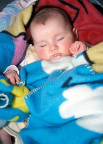 Facing Problems In Getting Your Infant Sleep All Through The Night? Follow Sleeping Problem Tips!