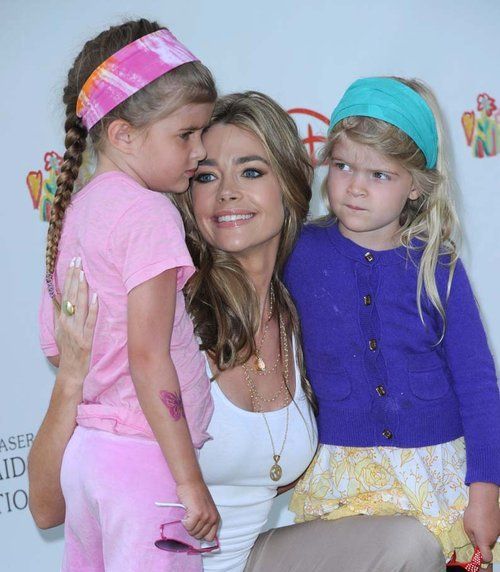 "richards single parent personals Actress denise richards recently wrote a blog post for ivillagecom about adopting her daughter eloise in the post richards writes that ""the process took two years and there were many times that i felt discouraged."
