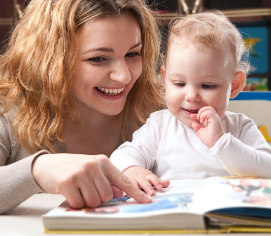 stay at home parents vs working parents The financial benefits of a stay-at-home parent  i call all moms 'working moms' because both employed moms and stay-at-home moms work, she says according to stanton, a former stay-at-home .