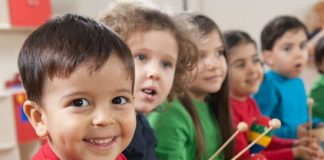 advantages and disadvantages of bilingual education